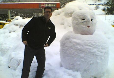 Striking_resemblance_snowman