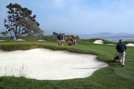 Pebble_beach_maintenance