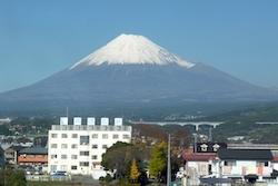 Shinkansen_fuji_view