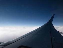 Clouds-plane-japan